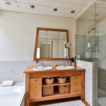 Jak zaprojektować małą łazienkę?